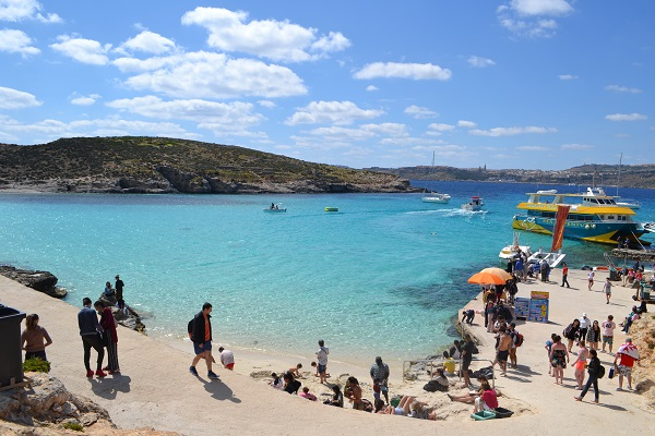 blue lagoon on the island of comino malta3