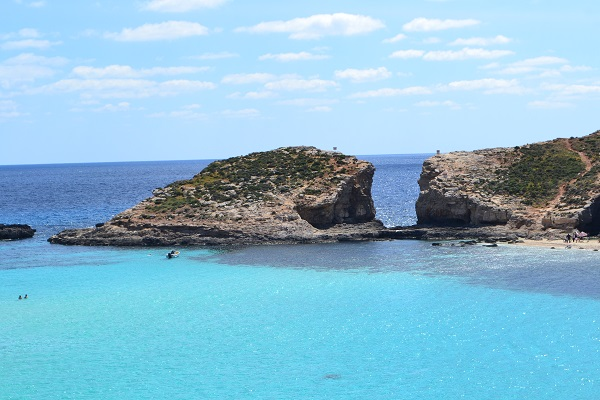 How To Get To The Blue Lagoon In Malta Comino On Public