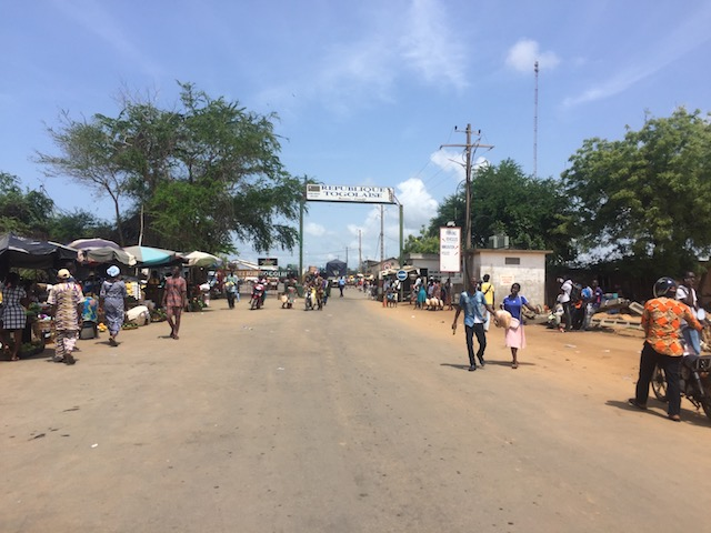 crossing into togo from benin guide border